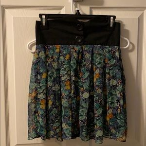 Dresses & Skirts - High waisted Floral Skirt
